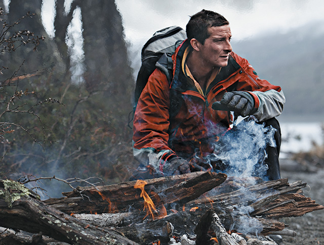 Gerber Bear Grylls Parang. The Parang is a modern version of the traditional jungle tribesmen's machete. Its heavy blade makes short work of branches and vines.