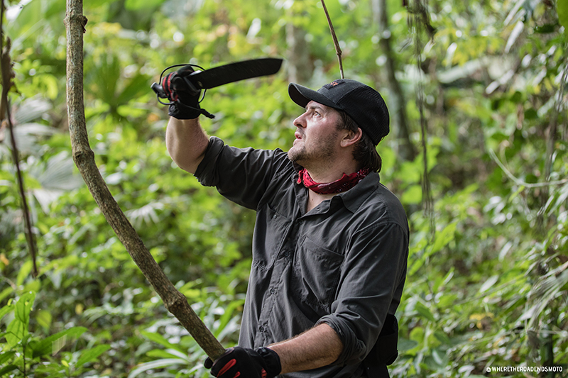 machete hack through Darién Gap